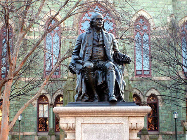 640px-Benjamin Franklin statue in front of College Hall